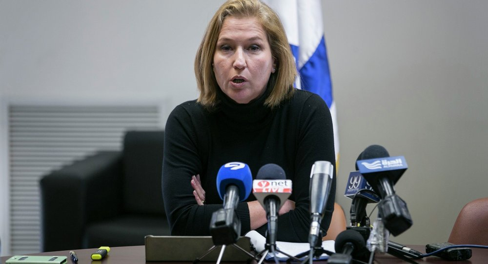 Israel's dismissed Justice Minister Tzipi Livni gives a statement to the press before a vote to dissolve parliament of the Knesset, the Israeli parliament, in Jerusalem December 3, 2014