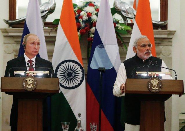 Vladímir Putin,  presidente de Rusia, y  Narendra Modi, primer ministro de India