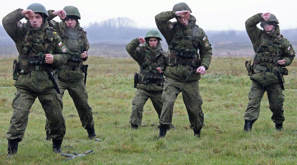 Militares de la Flota del Báltico durante unos ejercicios