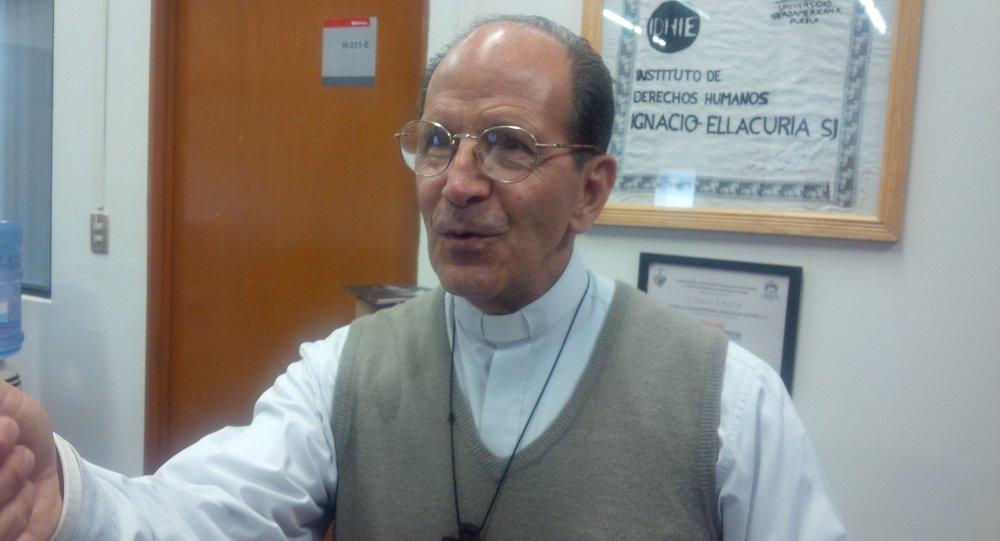 """Padre Solalinde: a los 43 estudiantes """"los mataron"""" en estado mexicano de Guerrero"""