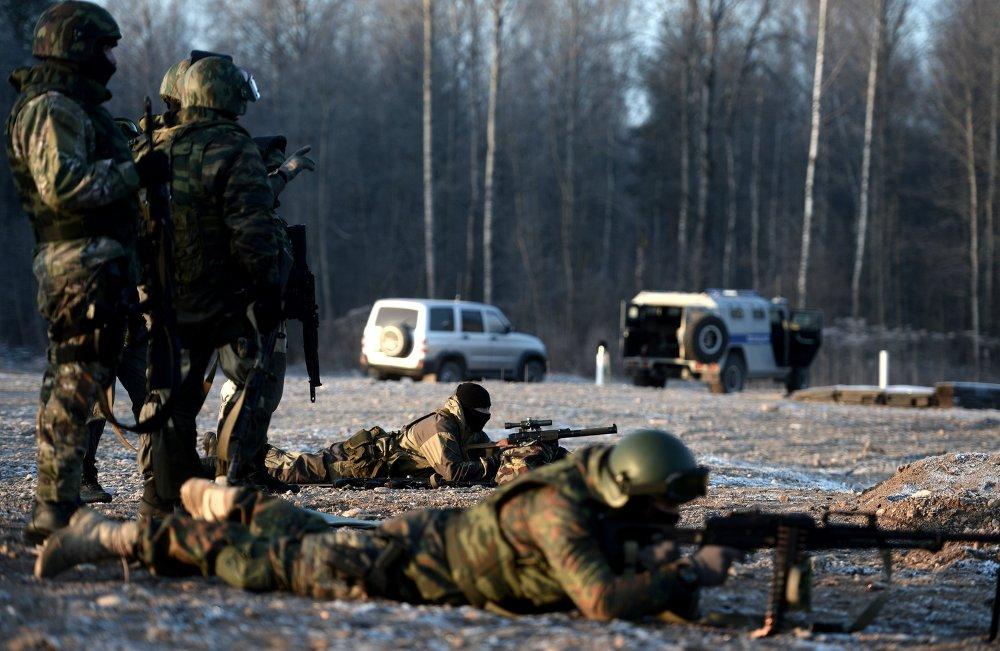 Бойцы СОБР на тренировке перед командировкой в Дагестан
