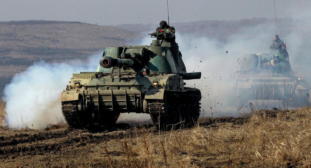 Sistemas de artillería 2S3 Akatsia (Archivo)