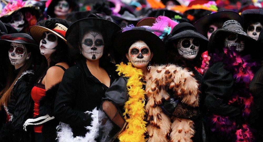 Halloween Y El Día De Muertos Jack Olantern Contra La Catrina