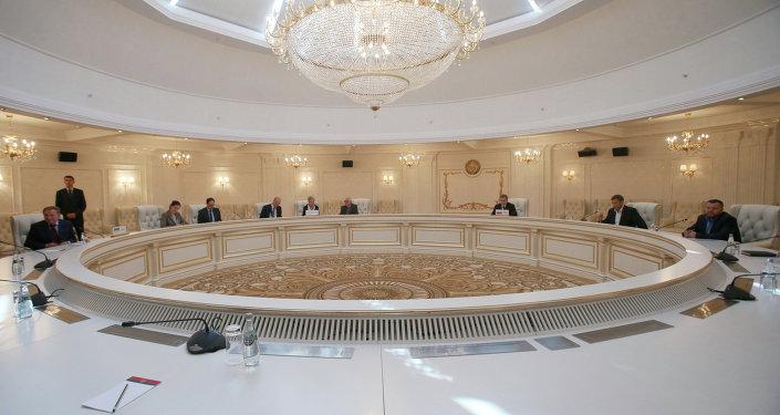 La reunión del Grupo de Contacto para Donbás en Minsk (archivo)