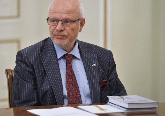 Mijaíl Fedótov, jefe del Consejo presidencial ruso para los DDHH (archivo)