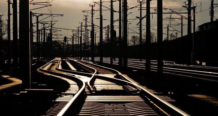China y Rusia firman memorando de cooperación de transporte ferroviario de alta velocidad
