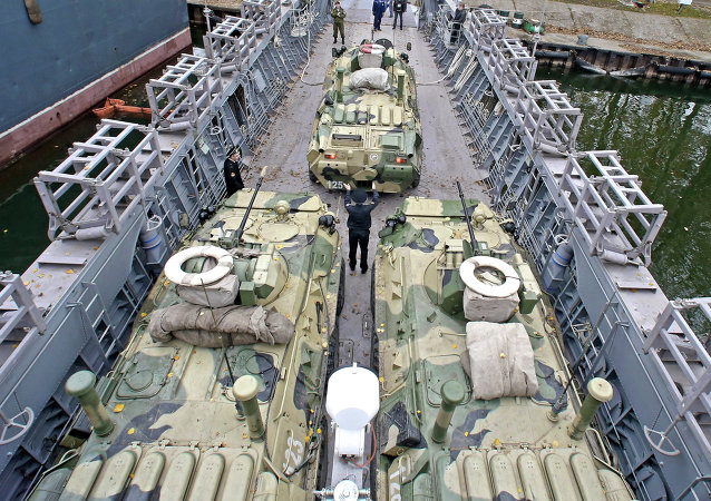 Погрузка боевой техники на корабль Лейтенант Римский-Корсаков