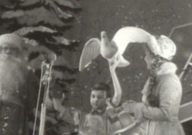 Celebración de la fiesta de Año Nuevo en tiempos de la Unión Soviética