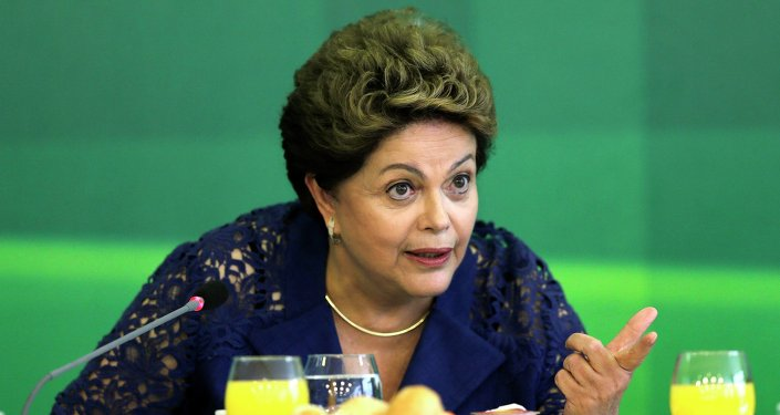 Brazilian President Dilma Rousseff speaks during breakfast with media at the Planalto Palace in Brasilia December 22, 2014.
