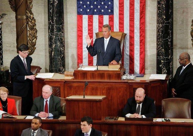 Спикер Палаты представителей США Джон Бонер дает присягу 6 января 2015 года