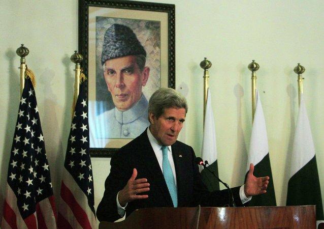 John Kerry. secretario de Estado de EEUU, llegó a Afganistán para fomentar la cooperación mutua en materia de seguridad e inteligencia, 13 de enero, 2015