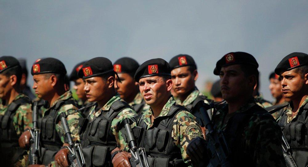Soldados mexicanos (archivo)