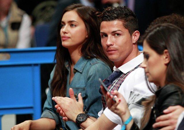 Modelo rusa Irina Shayk y futbolista portugués Cristiano Ronaldo
