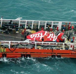 Un copiloto estaba al mando del avión de AirAsia en el momento de la catástrofe
