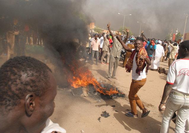 Protestas violentas en Níger contra Charlie Hebdo