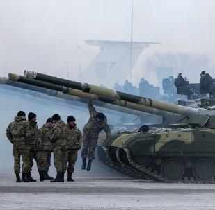 Ejército de Ucrania recibe nuevos tanques (archivo)