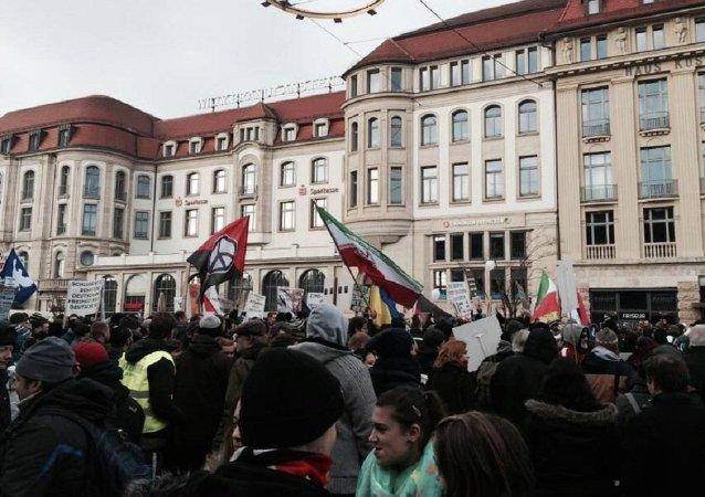 Celebran en Alemania una protesta contra la 'americanización de Occidente'
