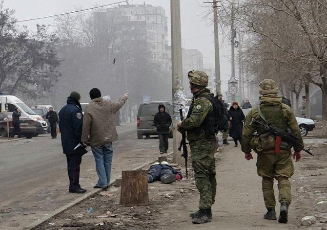 Militares ucranianos en la ciudad de Mariúpol