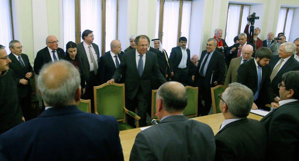 La oposición siria acuerda diez puntos para el arreglo de la crisis en el país