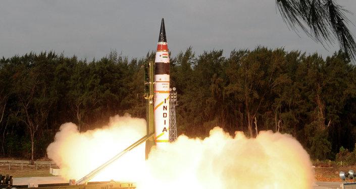 El ensayo de un misil balístico intercontinental indio Agni V (archivo)
