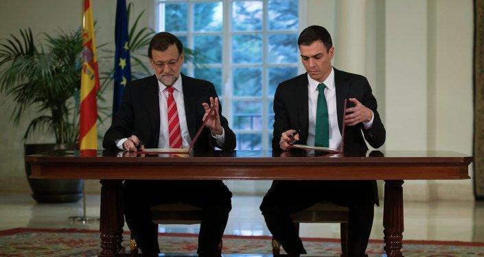 Presidente del Gobierno español, el conservador Mariano Rajoy, y el líder del PSOE Pedro Sánchez (Archivo)