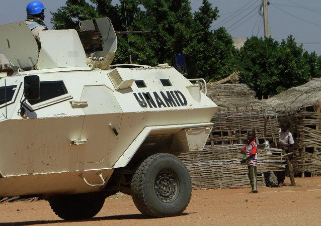 Seis vehículos participaron en el secuestro de dos pilotos rusos en Sudán, según UTair