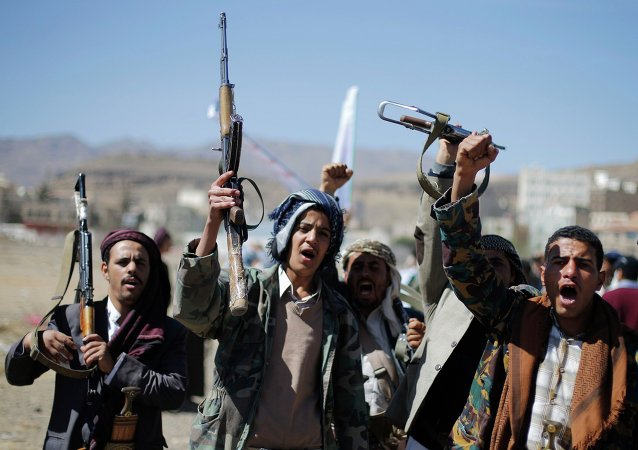 Al menos cuatro muertos en enfrentamientos entre militares y hutíes en el sur de Yemen