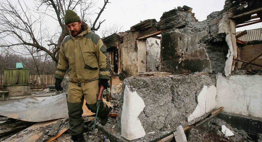 Miliciano de la República Popular de Donetsk en Olenivka