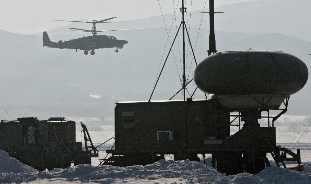 Un helícoptero Ka-52 Alligator durante el vuelo de entrenamiento en la base aérea Chernígovka en el Territorio de Primorie