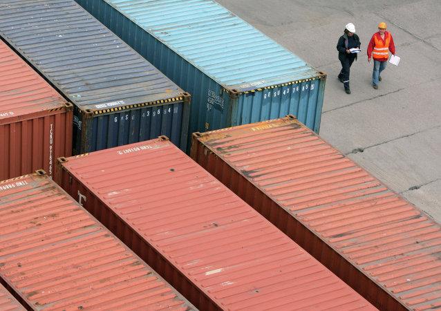 Las exportaciones estonias a Rusia se contrajeron un 15% en 2014
