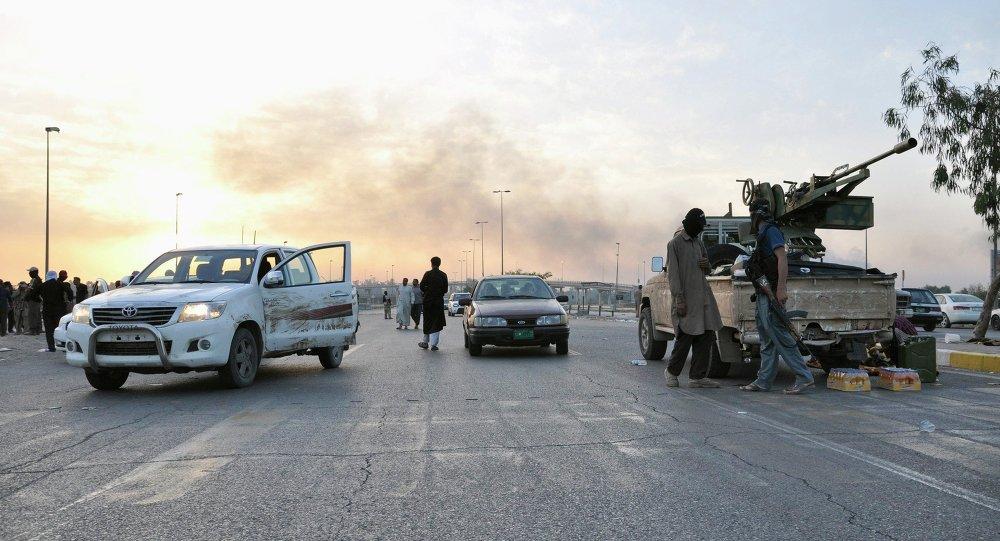 Terroristas del Estado Islámico (EI)