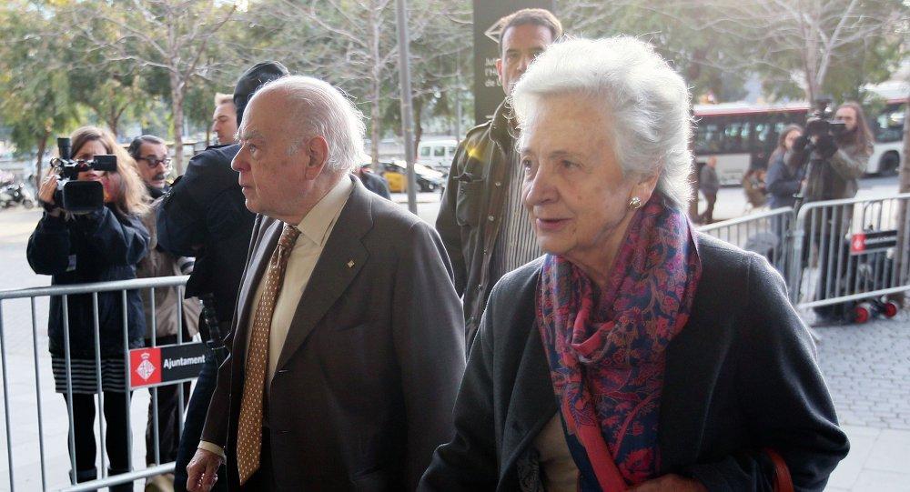 Ex presidente de Cataluña, Jordi Pujol con su esposa Marta Ferrusola