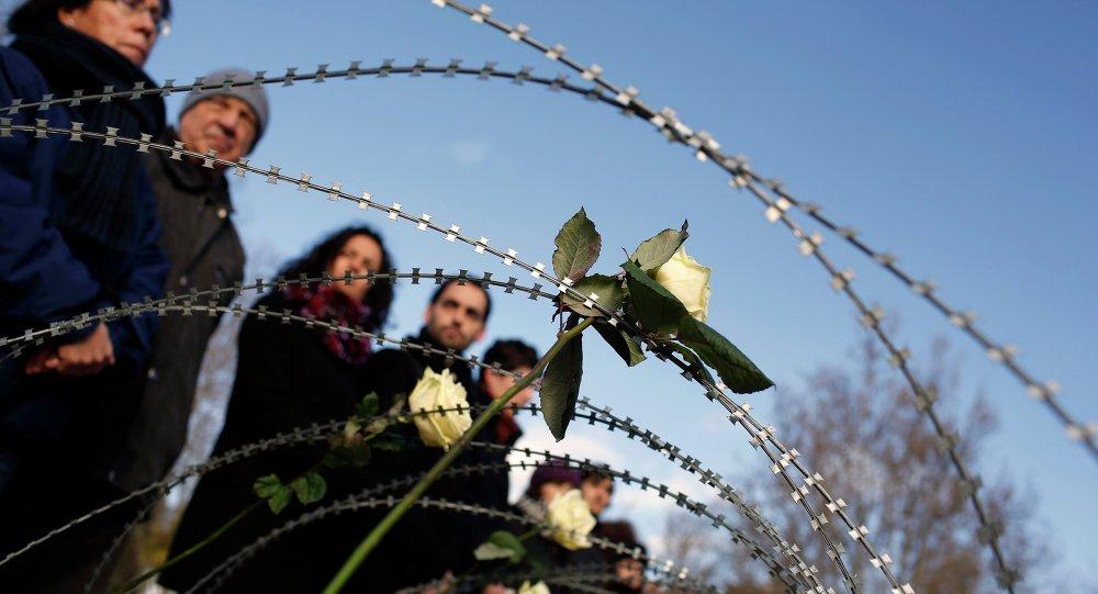 Acto de homenaje y recuerdo a las víctimas fallecidas en Ceuta, mientras intentaban cruzar la frontera de Marruecos a España