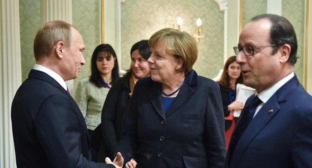 Los líderes de Rusia, Alemania y Francia en la cumbre de Minsk