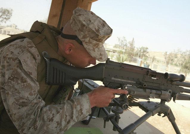 Soldado estadounidense en la base aérea Ayn al Asad (Archivo)