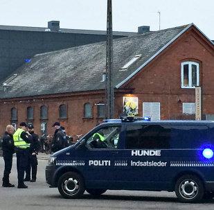 Policía danesa cerca del café cultural que acogía una charla sobre la libertad de la expresión