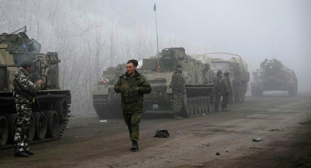 El envío de armas a Kiev arruinará los acuerdos de Minsk, dice jefe de la Duma