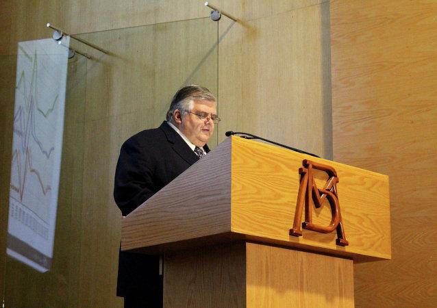 Agustín Carstens, gobernador del Banco de México (emisor)