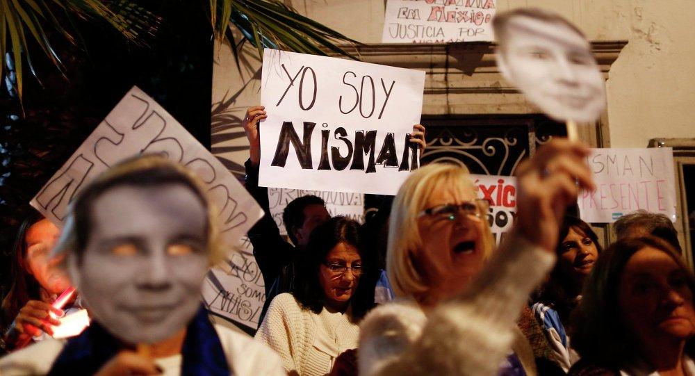 Centenares de miles de argentinos rinden homenaje al fiscal Nisman