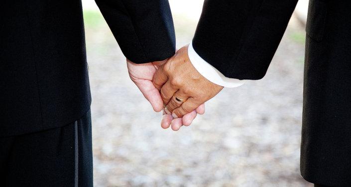 México aprueba adopción en sociedades de convivencia abiertas a parejas homosexuales