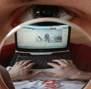 Medvédev tilda de amoral vigilancia de EEUU de internautas extranjeros