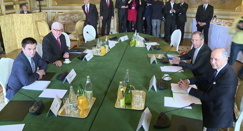 Ministro de Asuntos Exteriores de Rusia, Serguéi Lavrov, de Alemania, Frank-Walter Steinmeier, de Ucrania, Pavló Klimkin y de Francia, Laurent Fabius (archivo)