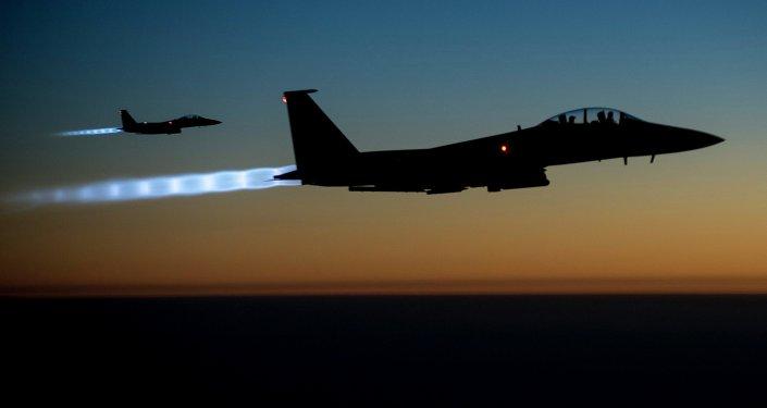 Cazas estadounidenses F-15 en Siria