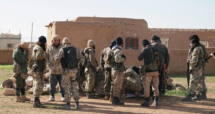 Combatientes de Daesh (archivo)