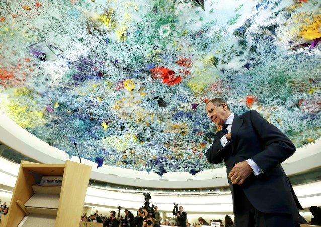 El ministro de Asuntos Exteriores de Rusia, Serguéi Lavrov, asiste a una sesión en el Consejo de DDHH de la ONU (archivo)