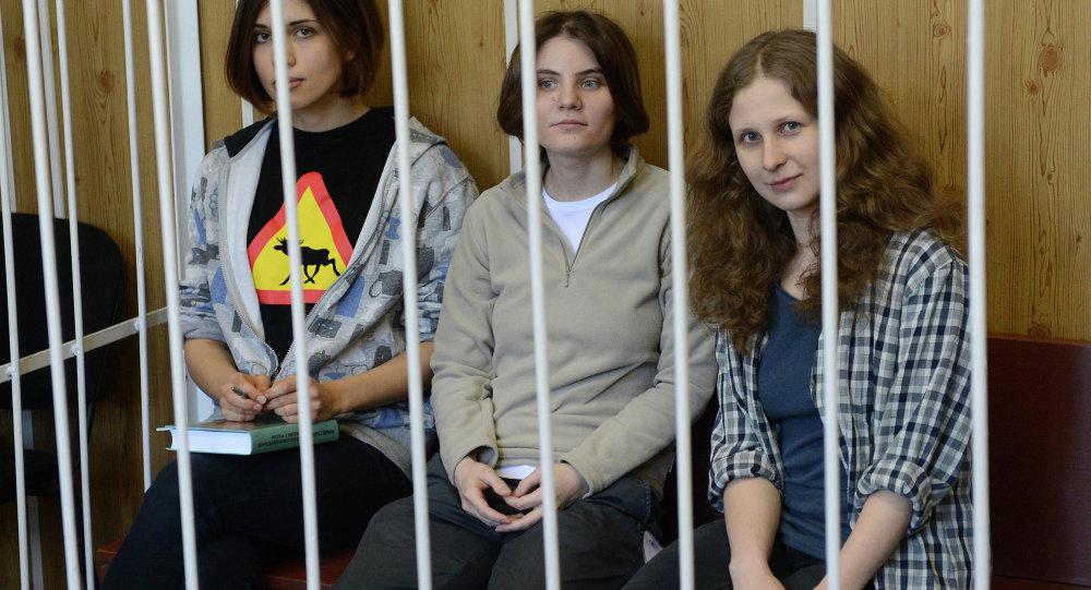 Integrantes del grupo Pussy Riot durante una audiencia en la corte de Moscú (archivo)