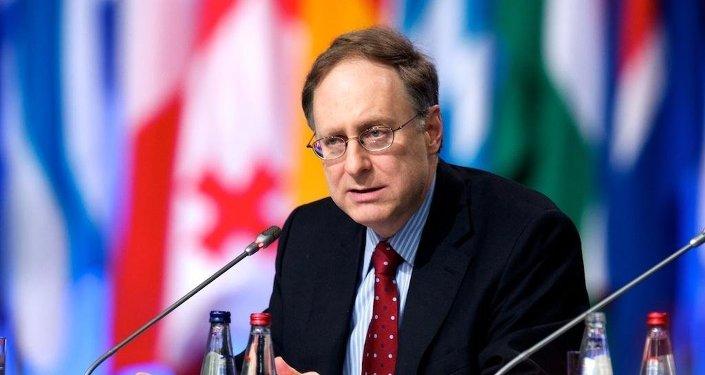 Alexander Vershbow, vicesecretario general de la OTAN (archivo)