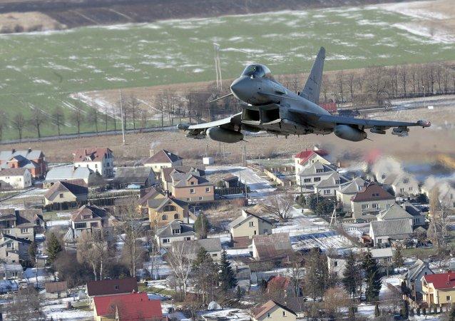 Caza Eurofighter Typhoon de las fuerzas de la Otan