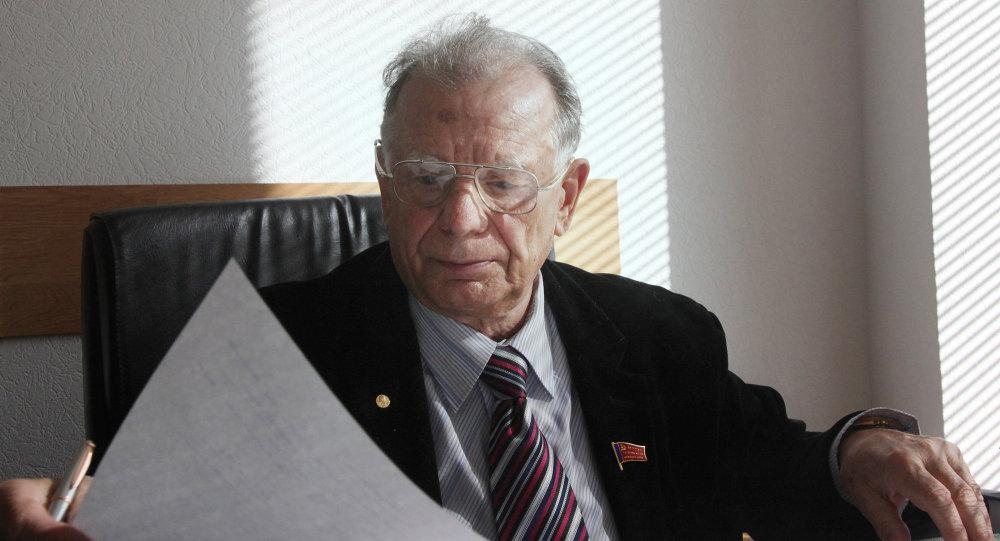 Zhorés Alfiórov