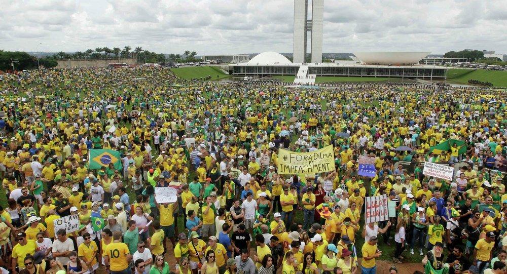 Cientos de miles de brasileños protestan contra el gobierno de Dilma Rousseff